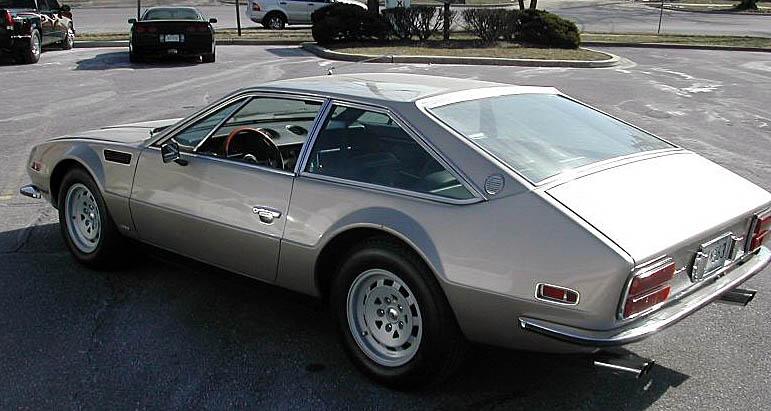 http://www.woiweb.com/wiki/images/2/20/1973_Lamborghini_Jarama_400_GTS_4.jpg