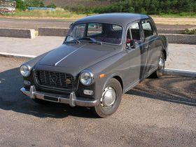 http://www.woiweb.com/wiki/images/thumb/6/69/Lancia_Appia.jpg/280px-Lancia_Appia.jpg