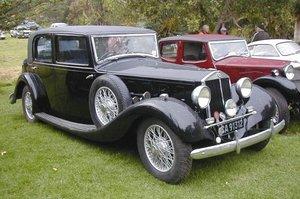 http://www.woiweb.com/wiki/images/thumb/7/7e/1937_Lancia_Astura_3Liter.jpg/300px-1937_Lancia_Astura_3Liter.jpg